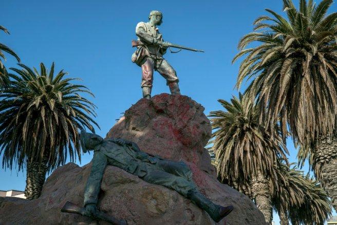namibia-monument